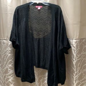 Like New Woman Within Short Sleeve Sweater